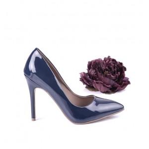 Lakované dámske lodičky s vysokým štíhlym podpätkom modrej farby