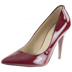 Obľúbené dámske lodičky červenej farby s vysokým podpätkom