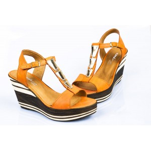 Oranžové dámske sandále na platforme
