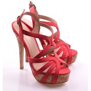Dámské kožené sandále na leto červenej farby