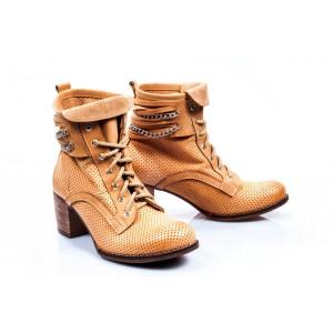 Dámske kožené topánky v pieskovej farbe