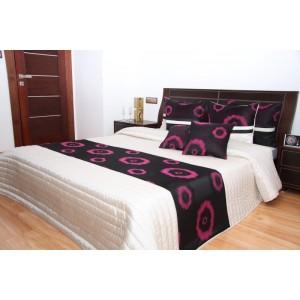 Biely prehoz na posteľ s ružovými kruhmi