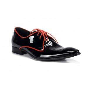 Elegantné pánske kožené topánky COMODO E SANO čiernej farby s červenými šnúrkami