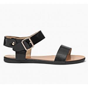 Dámske sandále čiernej farby s prackou