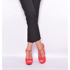 Dámske sandále červenej farby s hrubým opätkom