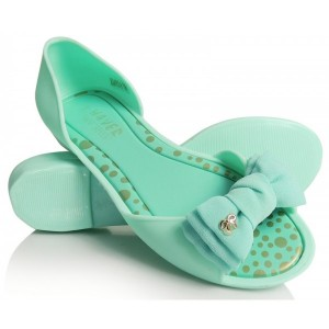 Zelené dámske sandále s mašličkou na prednej časti
