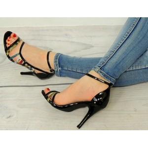 Vysoké dámske sandále v čiernej farbe