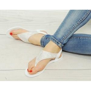 Trendy dámske sandále pre dámy bielej farby s kamienkovým motívom