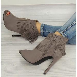 Sivé topánky pre ženy so strapcami