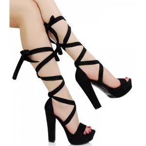 Sexi čierne semišové sandále na opätku s viazaním okolo lýtka