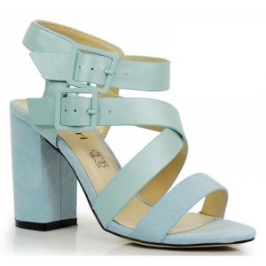 Svetlo modré dámske sandále na hrubom podpätku