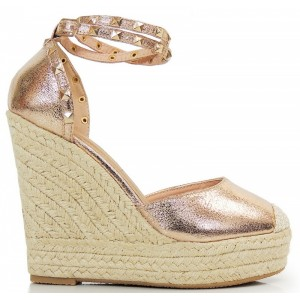 Zlaté dámske sandále na platforme