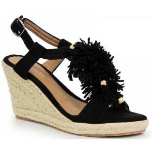 Dámske sandále na platforme v čiernej farbe