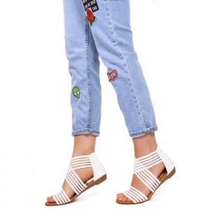 Letné dámske sandále bielej farby na nízkej podrážke