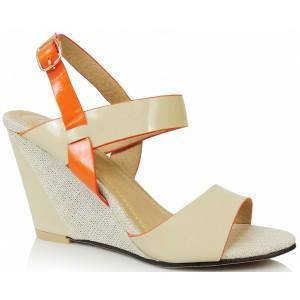 Béžové dámske sandále na platforme s remienkom