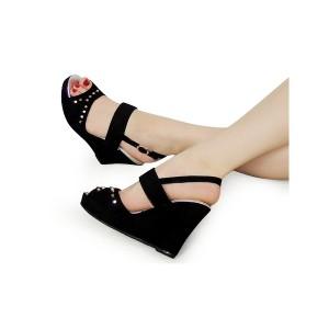 Elegantné čierne dámske sandále so zapínaním okolo členka