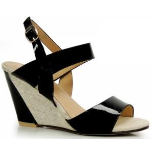 Dámske čierne sandále na platforme s otvorenou špičkou a pätou