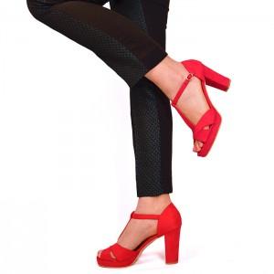 Červené dámske semišové sandále na podpätku