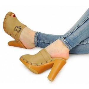 Béžové dámske sandále na hrubom podpätku