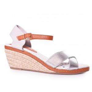 Stieborné dámske sandále na platforme
