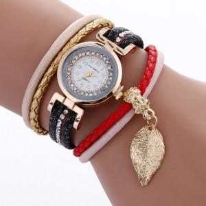 Dámske čierne hodinky s ozdobným remienkom