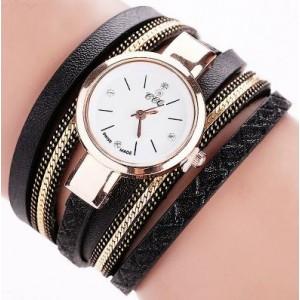 Čierne náramkové hodinky s koženými remienkami
