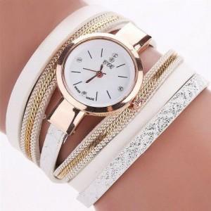 Módne náramkové hodinky bielej farby