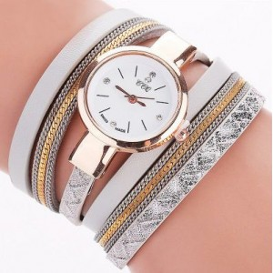 Elegantné sivé hodinky s náramkami