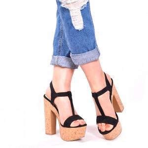 Dámske čierne sandále na platforme