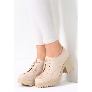 Dámske topánky na opätku v béžovej farbe