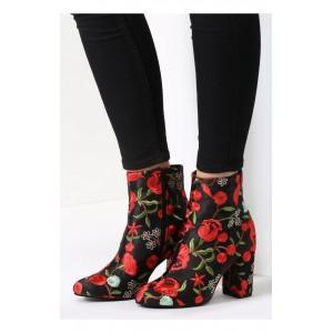 Čierne dámske topánky so vzorom kvetov