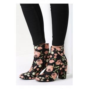 Vzorované dámske topánky v čiernej farbe