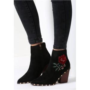 Elegantné dámske topánky v čiernej farbe