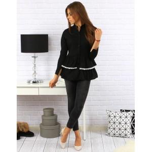 Predĺžená dámska košeľa čiernej farby s bielou čipkou na vreckách