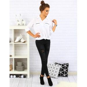 Elegantná biela košeľa pre dámy s aplikáciou na náprsných vreckách