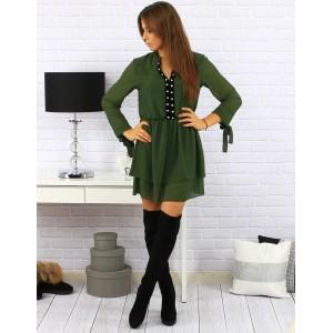 Zelené dámske krátke šaty po kolená so striebornými kamienkami a viazaním na rukávoch