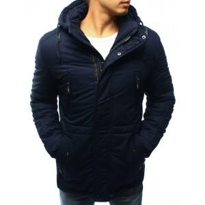Prešívaná pánska bunda na zimu s kapucňou a vreckami v tmavo modrej farbe