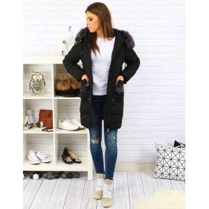 Dlhá dámska prešívaná bunda na zimu s vreckami na zips a kožušinou