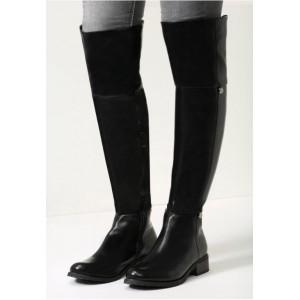 Čierne kožené dámske zimné čižmy nad kolená na nízkom podpätku so zipsovaním