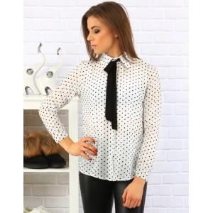 Damska biela elegantná košeľa s čiernymi bodkami