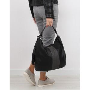 Čierna dámska kabelka na zips s odnímateľným strapcom
