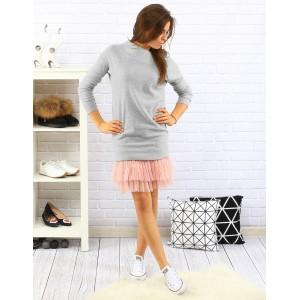 Ležérne sivé dámske šaty s dlhým rukávom a ružovou tylovou sukňou