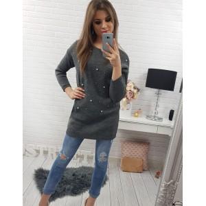Predĺžený sivý dámsky sveter s dlhými rukávmi zdobený perličkami