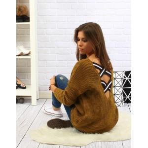 Moderný dámsky pletený sveter v horčicovo žltej farbe s čierno bielymi pruhmi vzadu