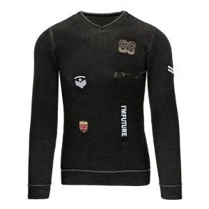 Čierny pánsky sveter s véčkovým výstrihom a nášivkami