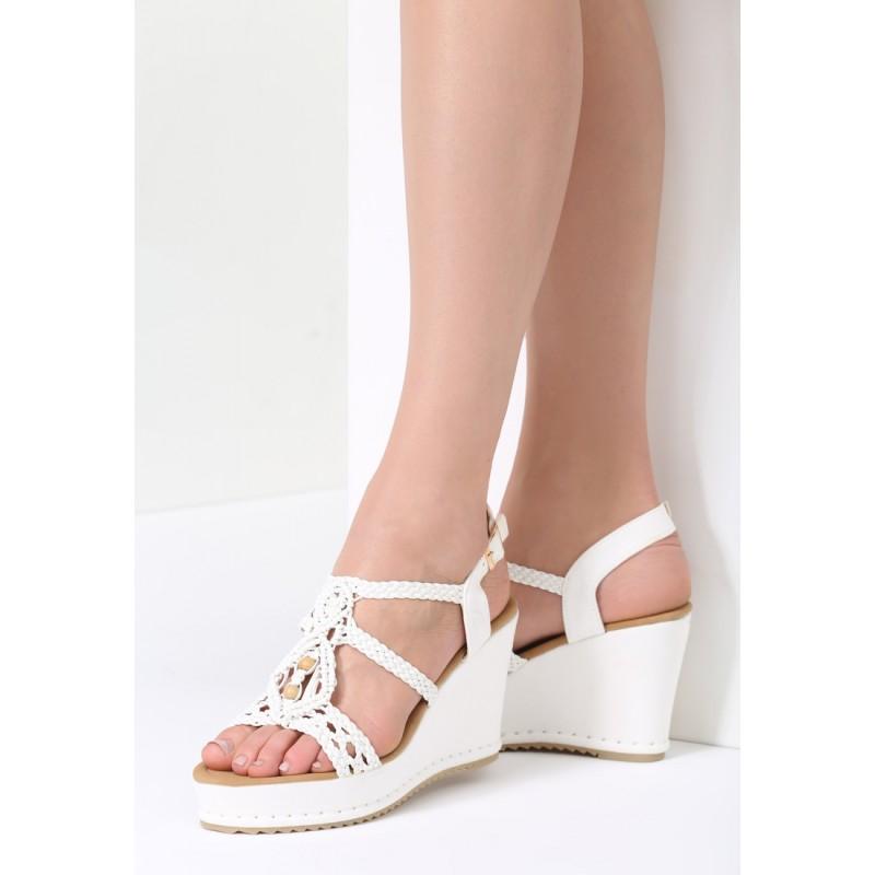 3240e4cfaeb3 Biele sandále na platforme