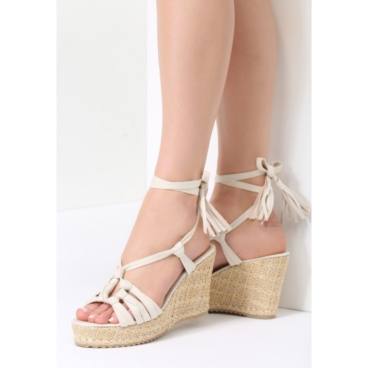 Šnúrovacie sandále na platforme béžové