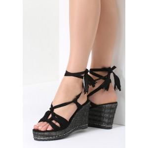 Letné topánky na platforme čiernej farby
