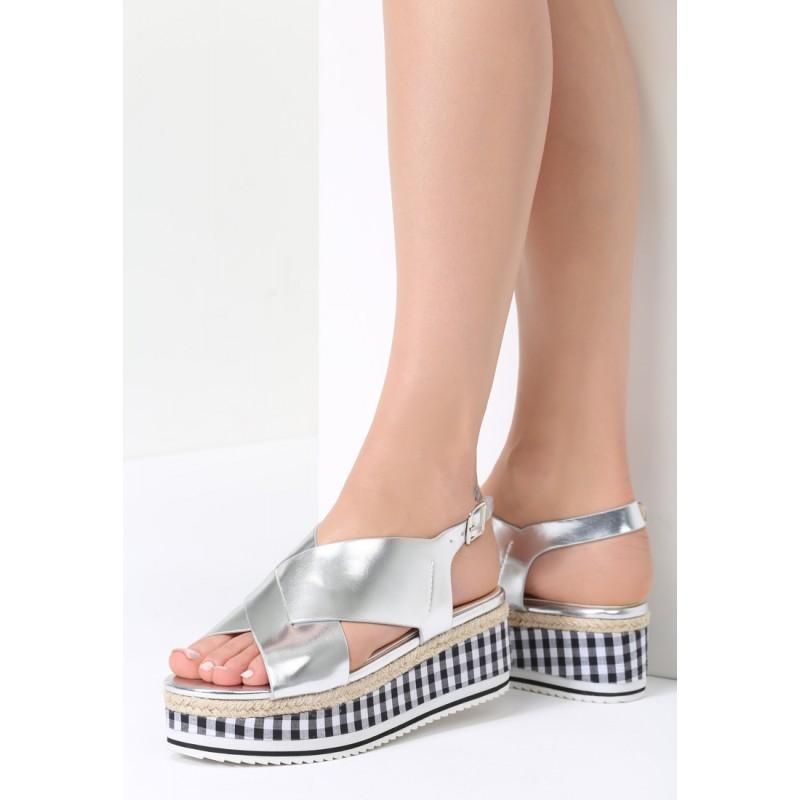 da07ab0f3cb4 Strieborné sandále na platforme