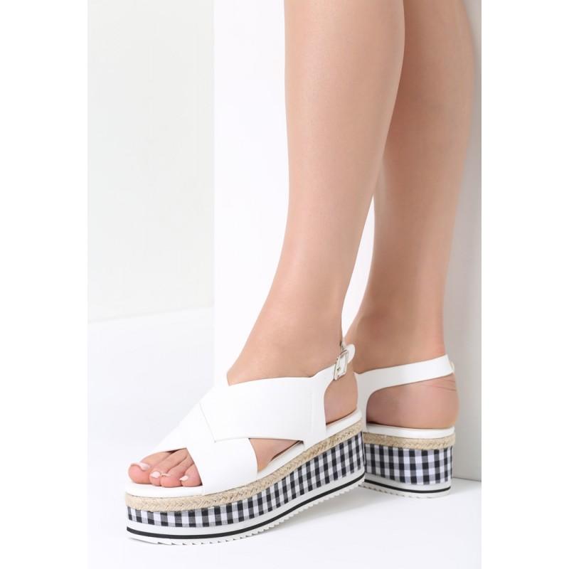 75bb64f4dec3 Biele sandále s károvanou platformou